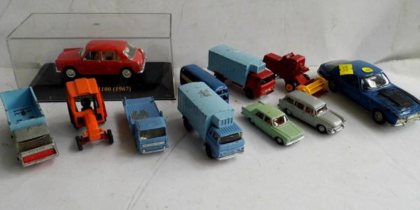 Various vintage & modern collectable cars (11)