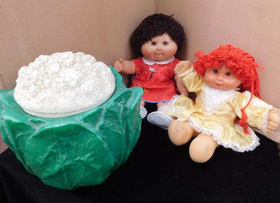 2x Vintage Cabbage patch dolls with rare original cabbage
