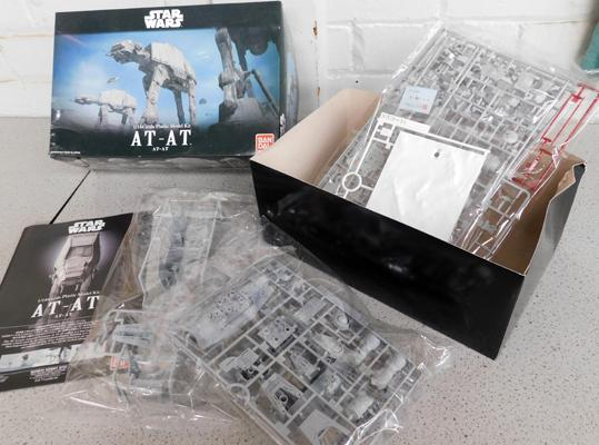 Star Wars model kit AT-AT 1/44 scale-complete, un built with instructions, box has little damage