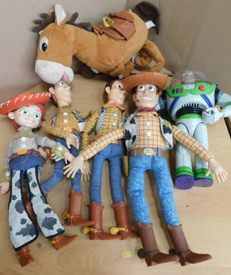 Collection of Toy Story figures/play worn.