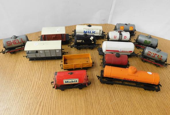 Selection of 00 gauge tanker & box wagons