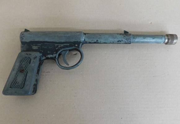 1950s The gat airgun, T J. Harrington & Son, fully operational (approx. 10 inches long)