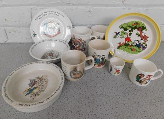 Assortment of collectable childrens plates & cups, incl. Wedgwood