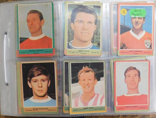 40 pages of mixed cigarette cards & football cards