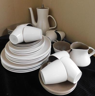 Poole two tone dinner service, 6 cups & saucers, no damage found