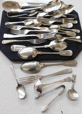 Assortment of vintage cutlery inc some silver