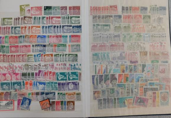 Well filled stockbook World, Commonwealth, GB stamps