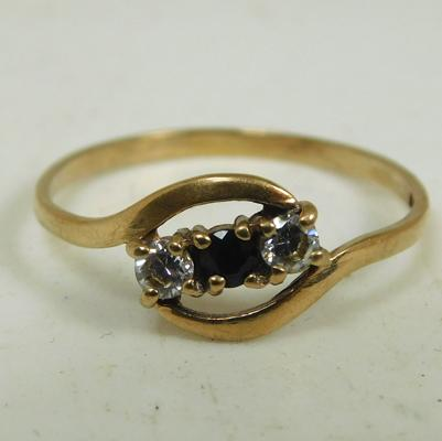 9ct Gold amethyst trilogy ring size R
