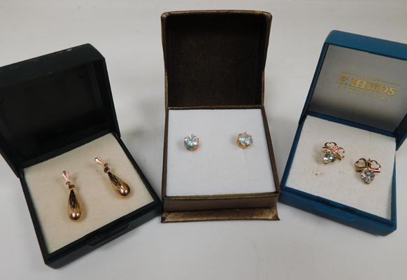 3x pairs of 9ct Gold earrings, studs, drops + bows