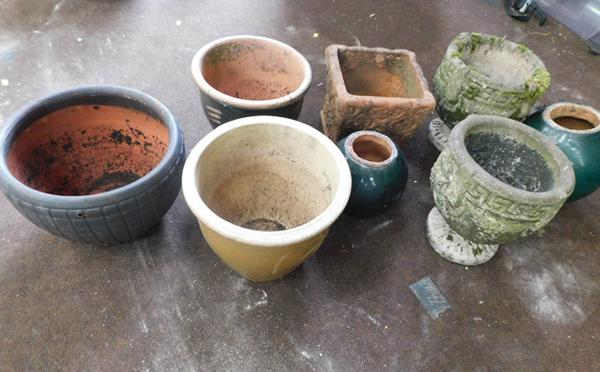 Collection of planters (9)