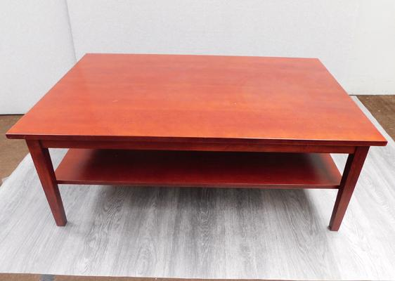 Coffee table with shelf - approx. 46 x 31 inches