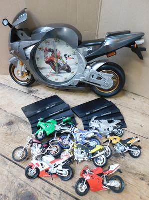8x Collectable diecast motorbikes with stands + clock
