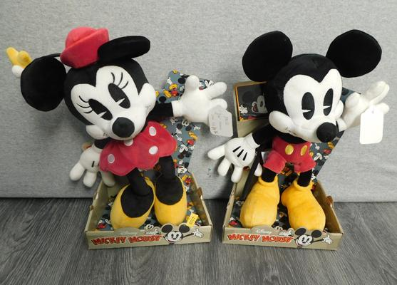 Disney Mickey & Minnie Mouse soft toys-still boxed