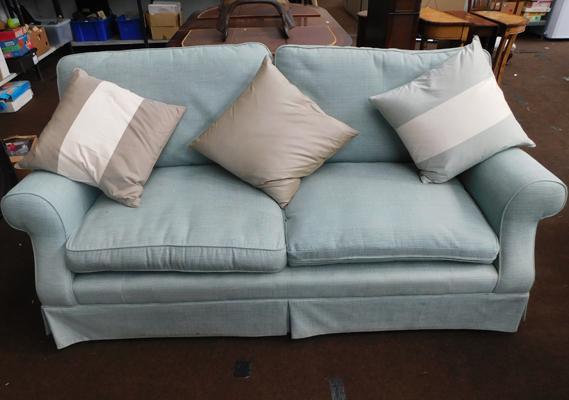 Three seater settee-peppermint