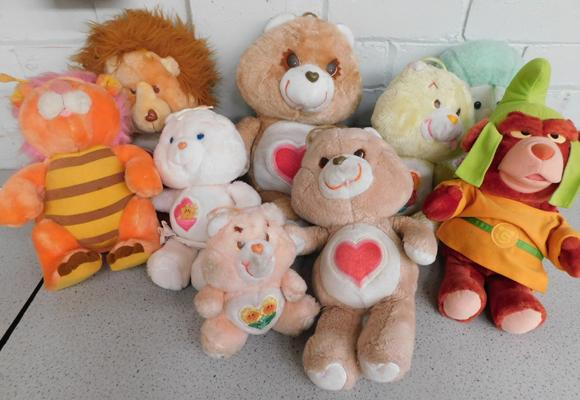 9 x vintage large Care Bears soft toys (one small)