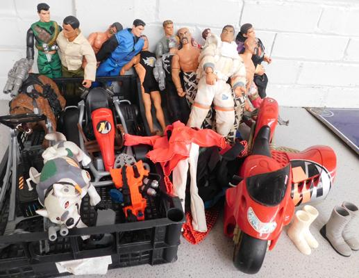 Large assortment of Action Man figures, vehicles & clothing