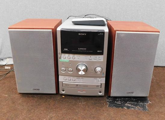 Sony stereo system with speakers w/o