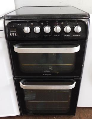 Hotpoint electric oven (black) w/o