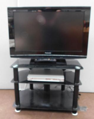 "Panasonic flat screen 31"" TV w/o with remote & stand etc"