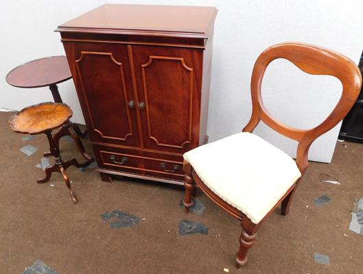 Inlaid mahogany coloured cabinet with balloon back chair