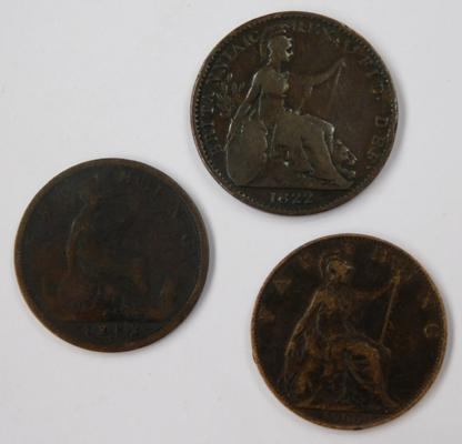 3 x Old farthings, George III 1822, Victoria 1882 H, Victoria 1900