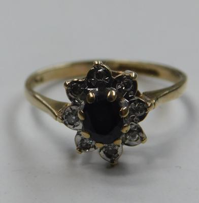9ct Gold sapphire & diamond cluster ring size L