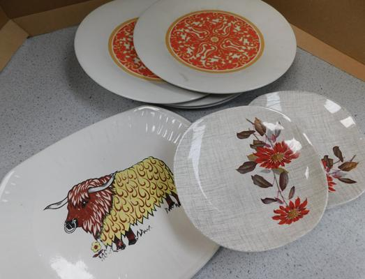 Assortment of ceramic plates incl.Royal Doulton, Meakin