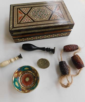 Inlaid box with 3 carved scholar beads, 2 English seals, 1 ottoman seal + miniature bowl
