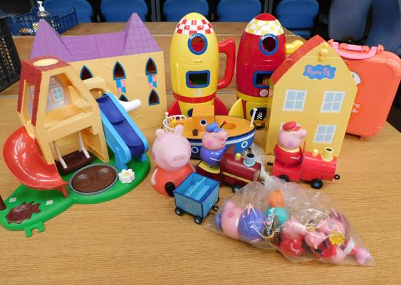 Selection of Peppa Pig toys incl.10 figures, 2 rockets, boat, trains, swing etc