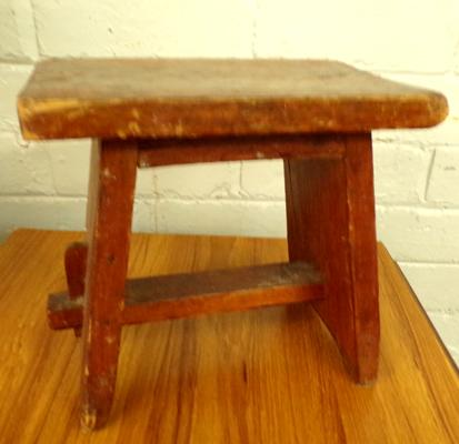 Cobblers stool