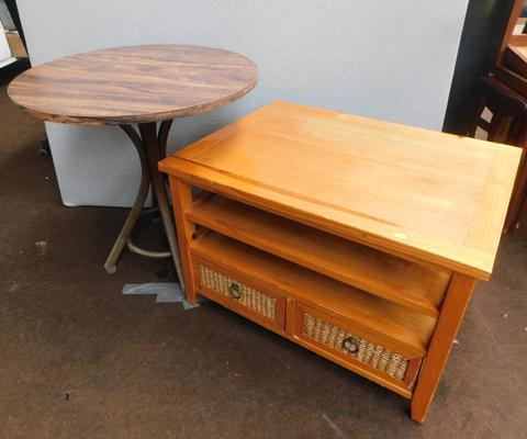 Pine wicker coffee table & bistro table