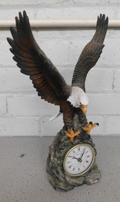 Large eagle clock, battery operated - sold as seen