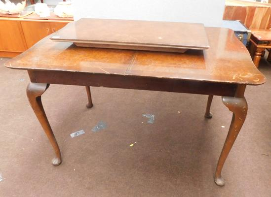 Vintage extending dining table with centre leaf