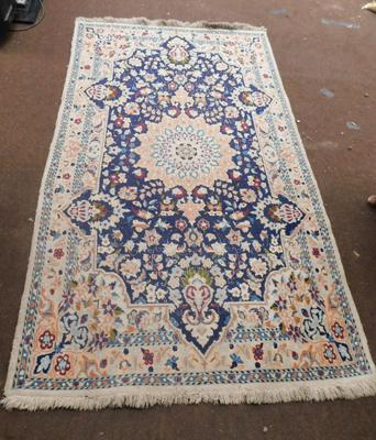 Heavy Persian style rug - 48 x 88 inches