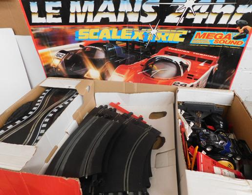 Scalextric Le Mans 24 Hour with sound, complete with cars - W/O