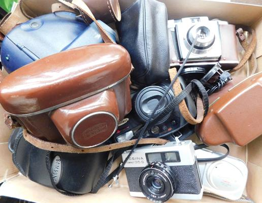 Collection of vintage cameras & cases
