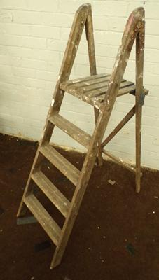 Wooden decorators ladders 4 step