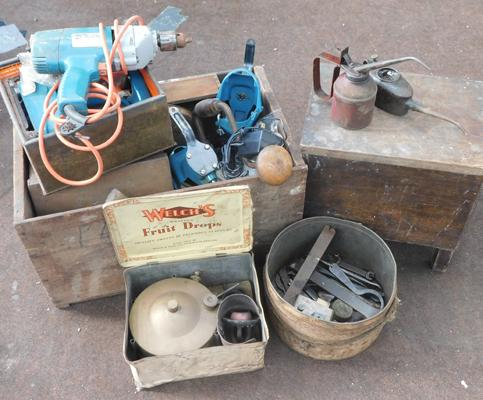 Selection of vintage tools inc Black & Decker drill, oil cans etc